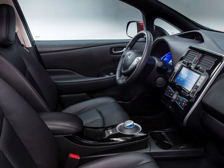 Nissan Leaf Black Interior2