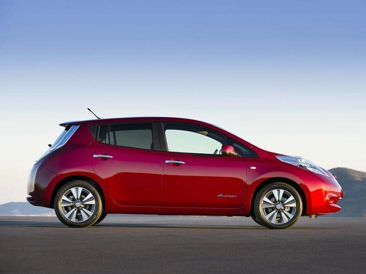Nissan Leaf Red Exterior Side