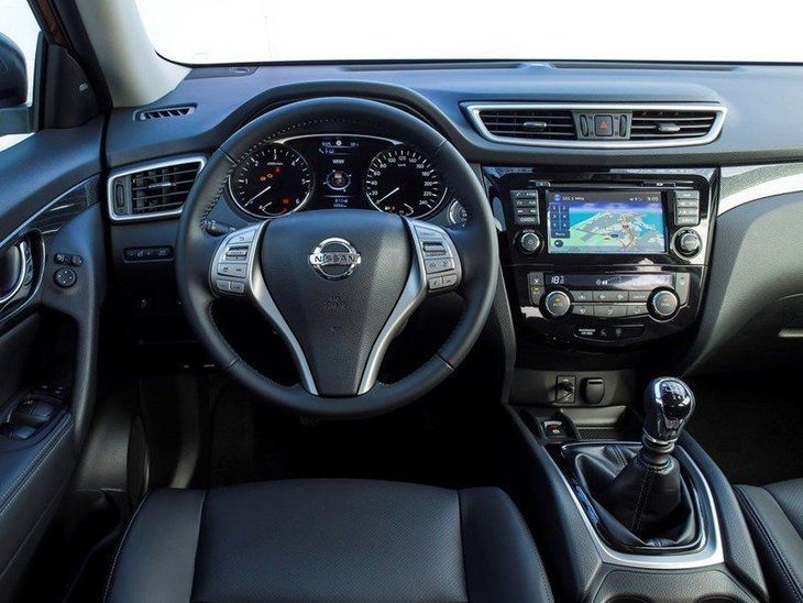 Nissan X-Trail Black Interior