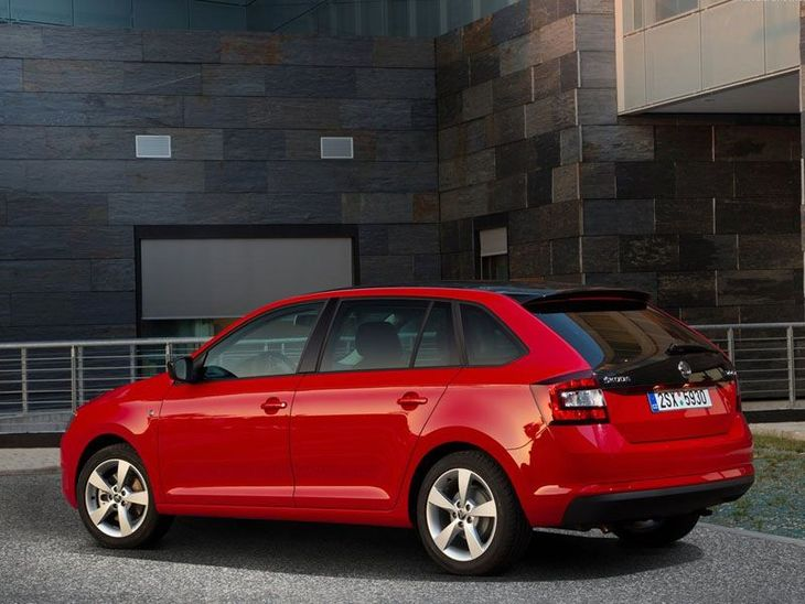 Skoda Rapid Spaceback Exterior Red Back 2