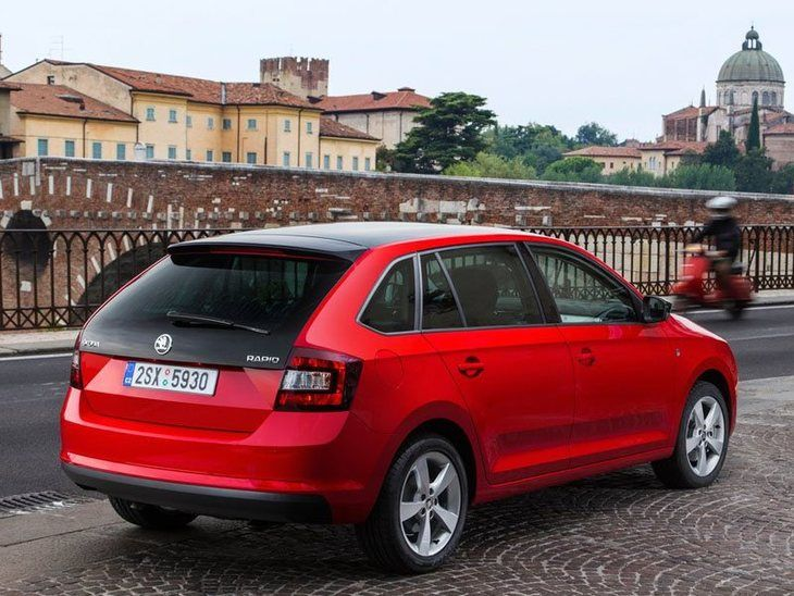 Skoda Rapid Spaceback Exterior Red Back