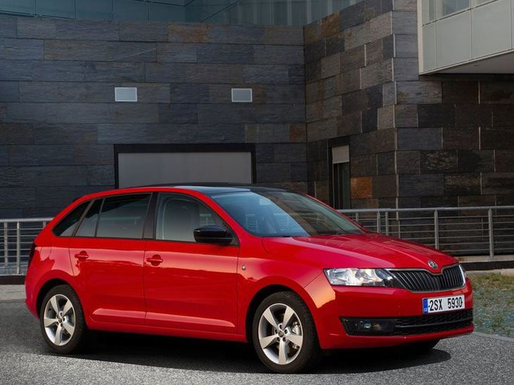Skoda Rapid Spaceback Exterior Red Front-2
