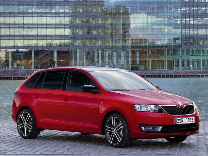 Skoda Rapid Spaceback Exterior Red Front 3