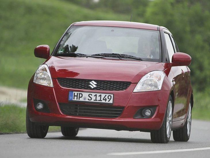 Suzuki Swift Red Exterior Front 2