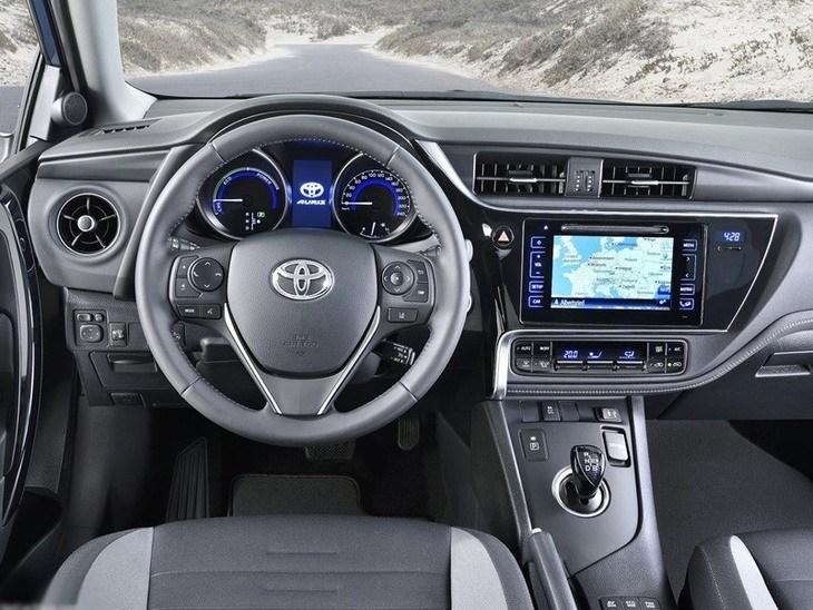 Toyota Auris Touring Sport New Model Interior