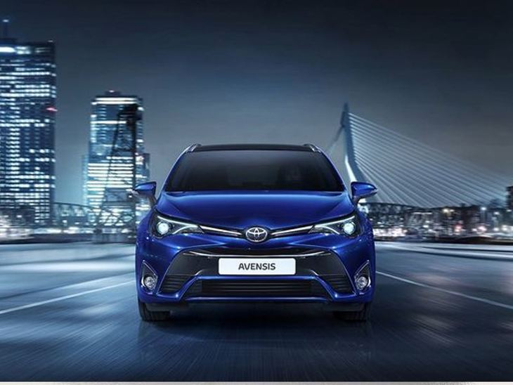 Toyota Avensis New Model Blue Exterior Front 2