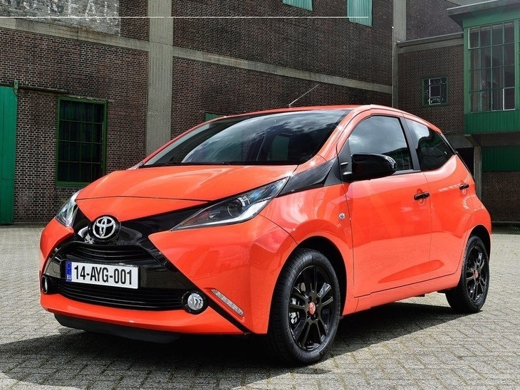 toyota aygo 1 0 vvt i x play 3 door car leasing nationwide vehicle contracts. Black Bedroom Furniture Sets. Home Design Ideas