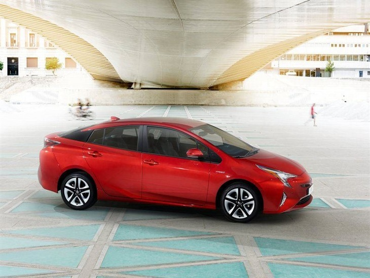 Toyota Prius Red Exterior Front 2