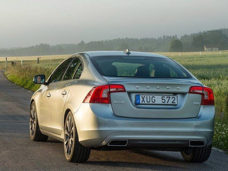 Volvo S60 Exterior Silver Back