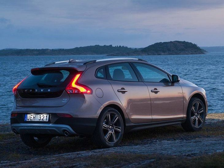 Volvo V40 Brown Back