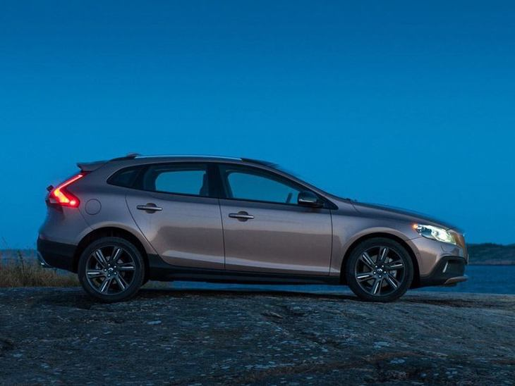 Volvo V40 Brown Side