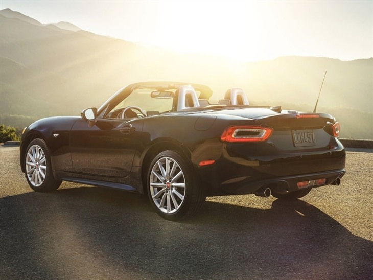 Fiat 124 Spider Exterior Back Black