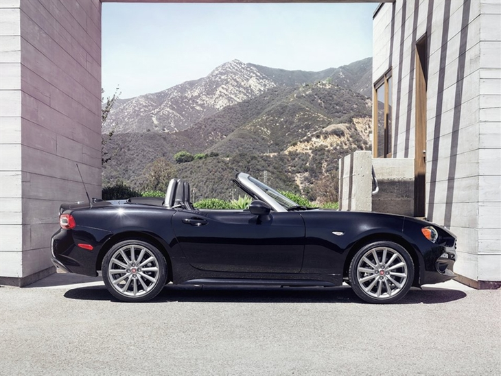Fiat 124 Spider Exterior Side Black