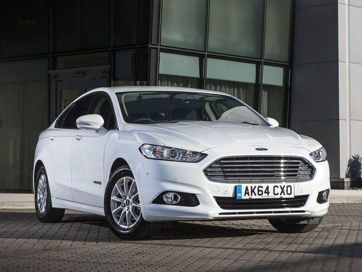 Ford Mondeo Saloon White Exterior Front
