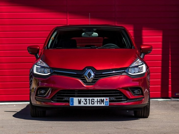 Renault Clio  Red Exterior Front 3
