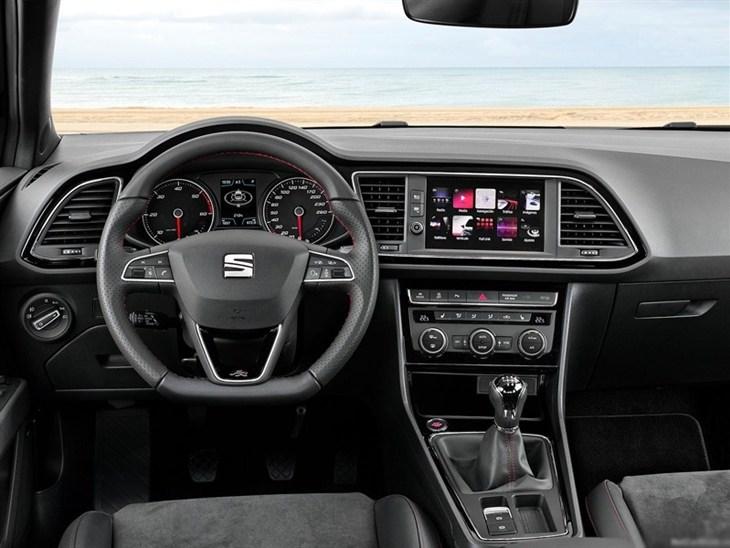 Seat leon sport coupe 1 4 ecotsi fr titanium technology for Interior seat leon