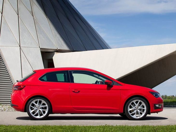Seat Leon Sport Coupe Red Side 2