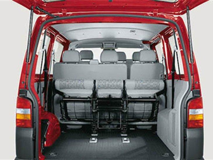 volkswagen transporter kombi t32 lwb 2 0 tdi bmt 204. Black Bedroom Furniture Sets. Home Design Ideas