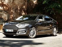 Ford Mondeo Vignale Saloon