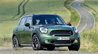 2 Year Business Deal on Mini Countryman 1.6 Cooper D Business Edition (Chili Pack)