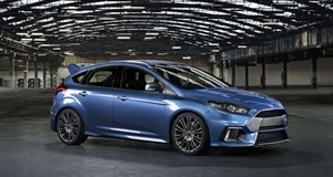 Ford Focus RS Turns a Corner - at Speed